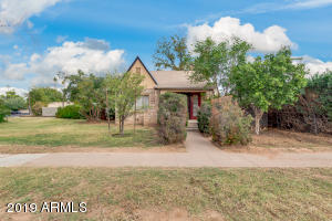 1402 E EARLL Drive, Phoenix, AZ 85014