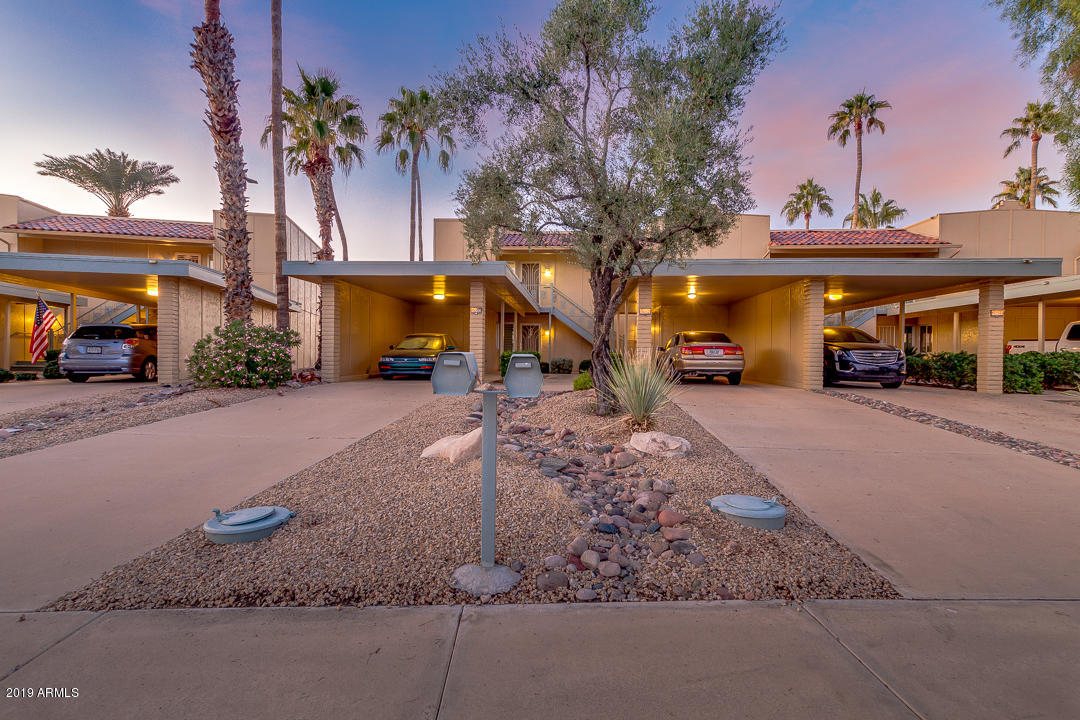 Photo of 19252 N STAR RIDGE Drive, Sun City West, AZ 85375