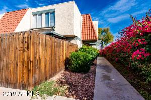 5953 W GOLDEN Lane, Glendale, AZ 85302