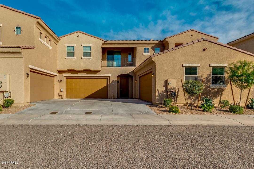 Photo of 1367 S COUNTRY CLUB Drive #1122, Mesa, AZ 85210