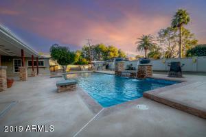 31 E KALER Drive, Phoenix, AZ 85020