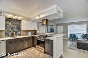 7141 N 16TH Street, 18, Phoenix, AZ 85020