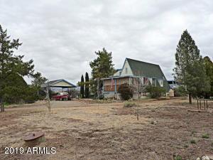 2925 S Holiday Drive, Dewey, AZ 86327