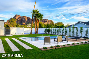 5816 N 44TH Street, Phoenix, AZ 85018