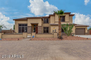 BEAUTIFUL HOME!! BIG 44060 s.f. lot.