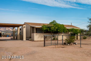 834 W FOOTHILL Street, Apache Junction, AZ 85120