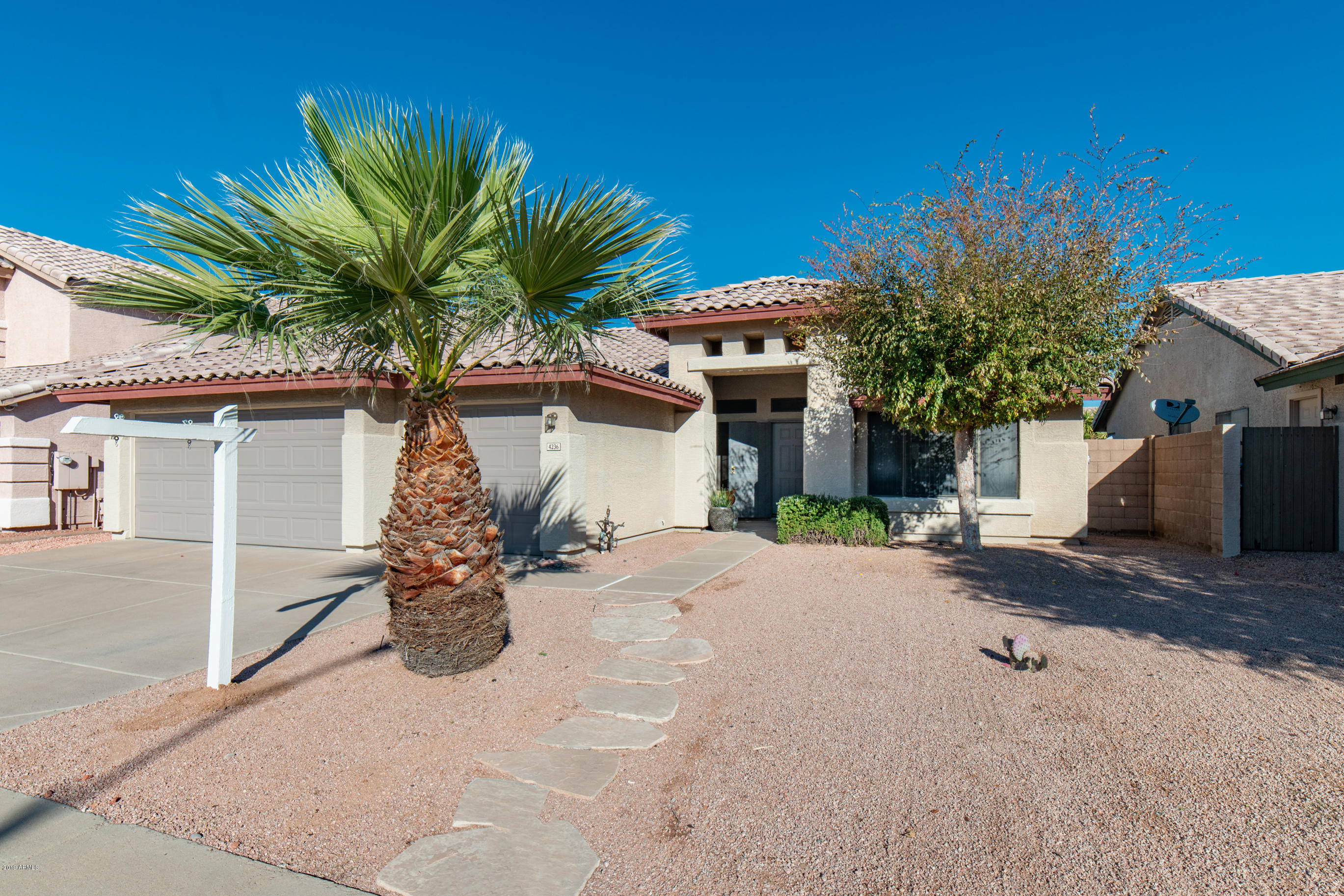 Photo of 4236 E MEADOW Drive, Phoenix, AZ 85032