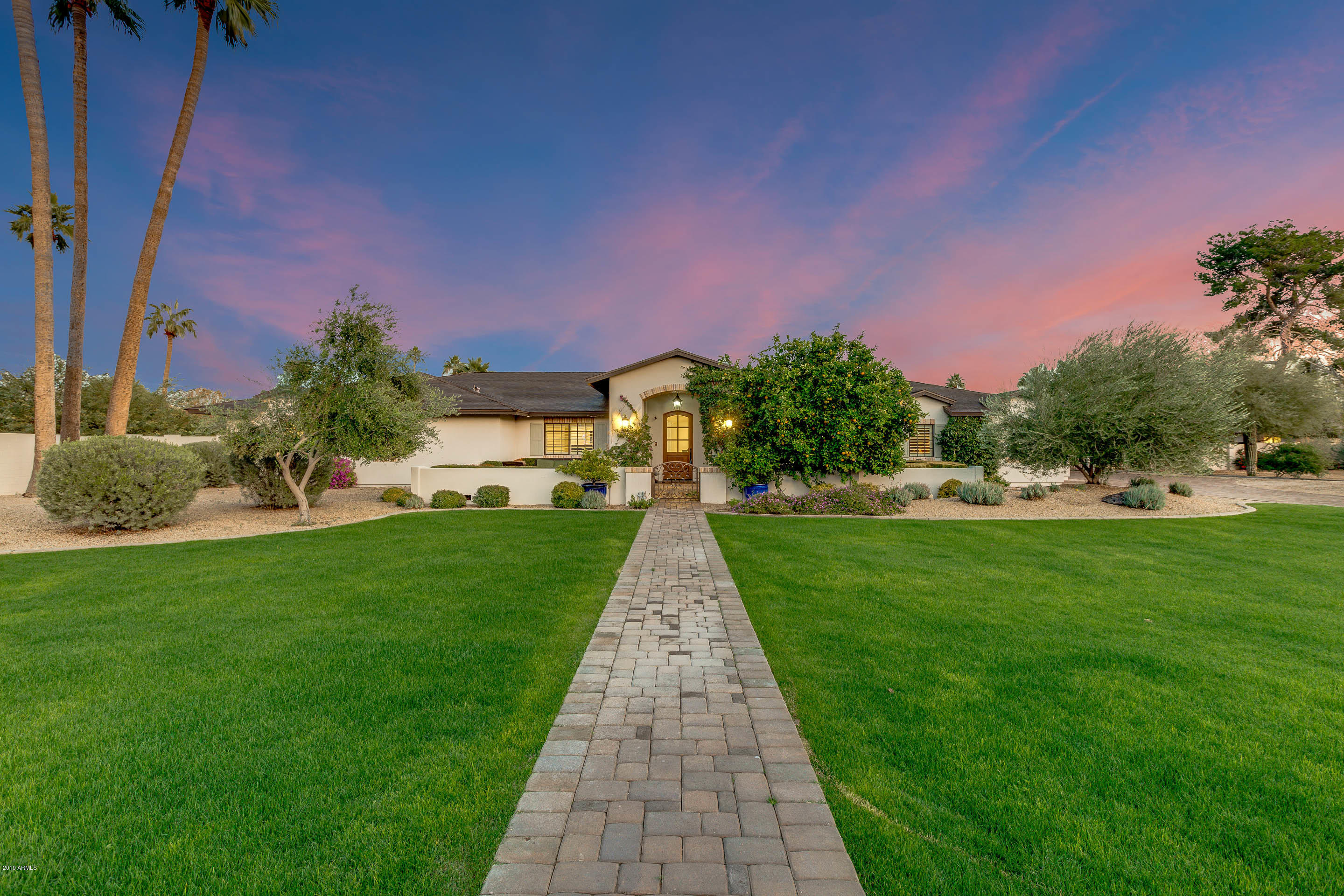 Photo of 5833 N 70TH Place, Paradise Valley, AZ 85253