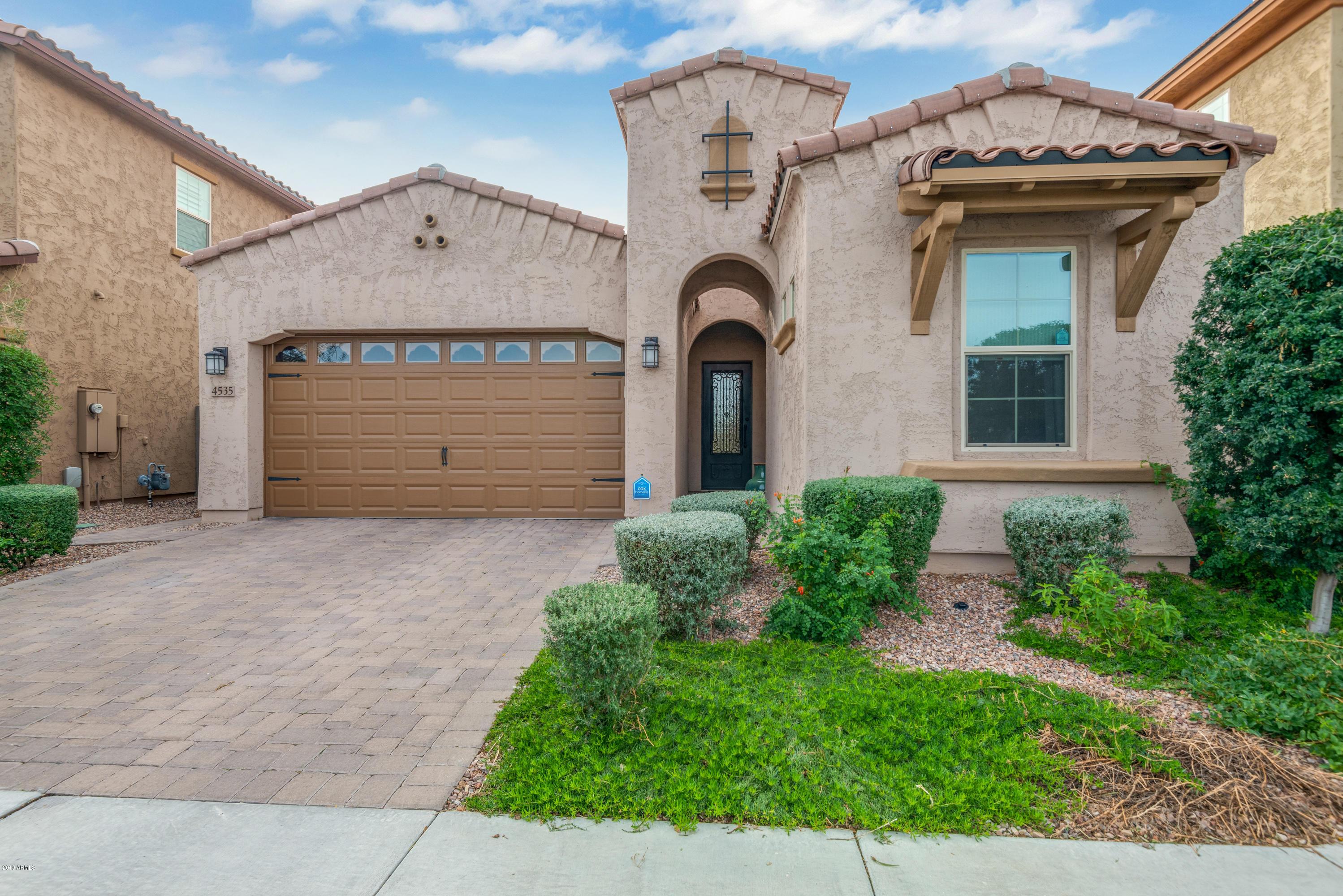 Photo of 4535 E NAVIGATOR Lane, Phoenix, AZ 85050