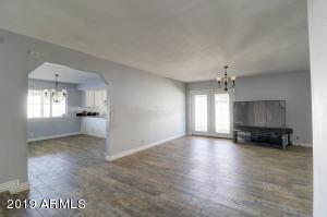7336 W VOGEL Avenue, Peoria, AZ 85345