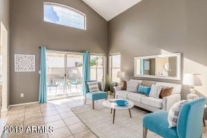 1311 E HELENA Drive, Phoenix, AZ 85022