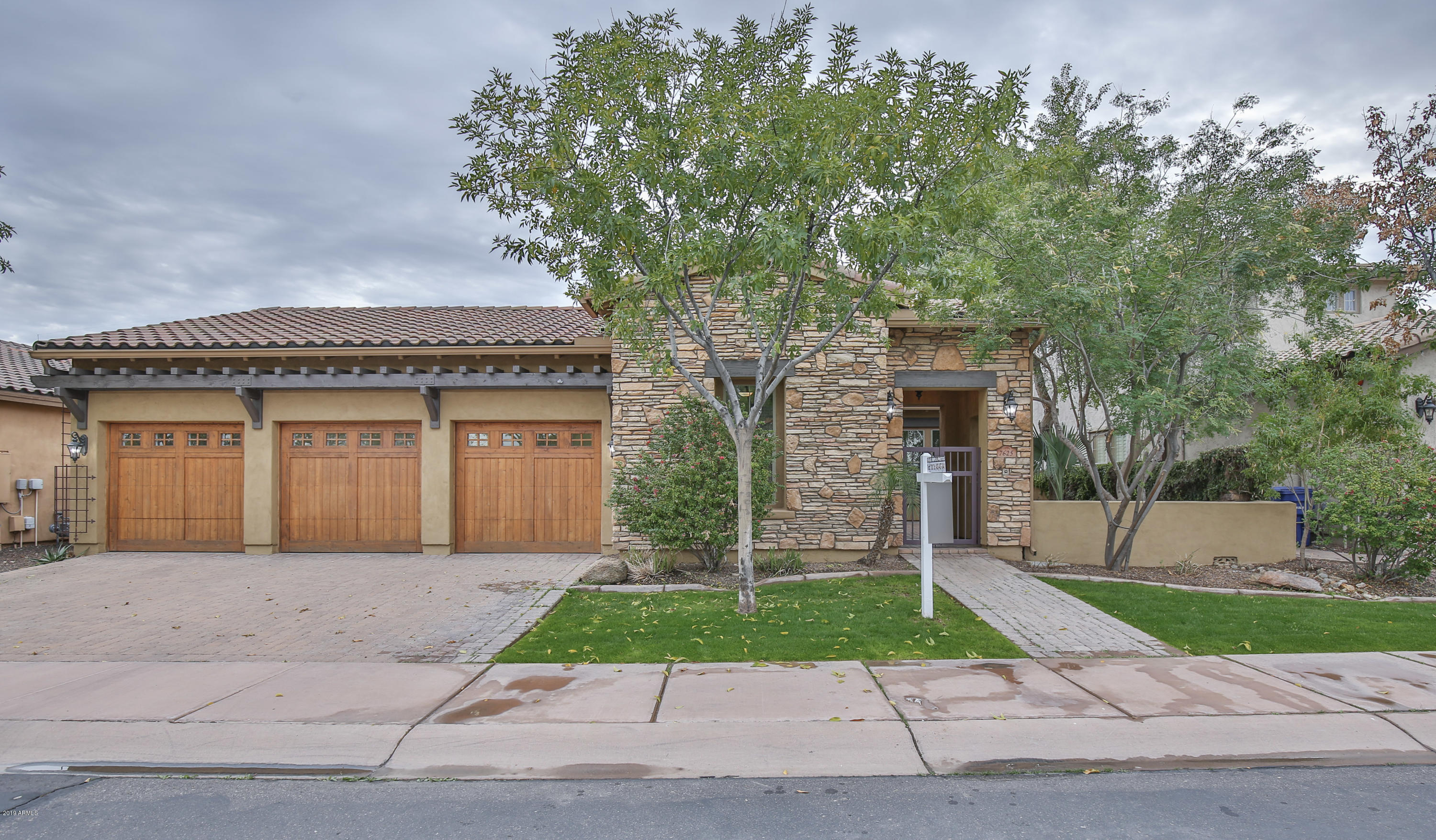 Photo of 7625 S LA CORTA Drive, Tempe, AZ 85284