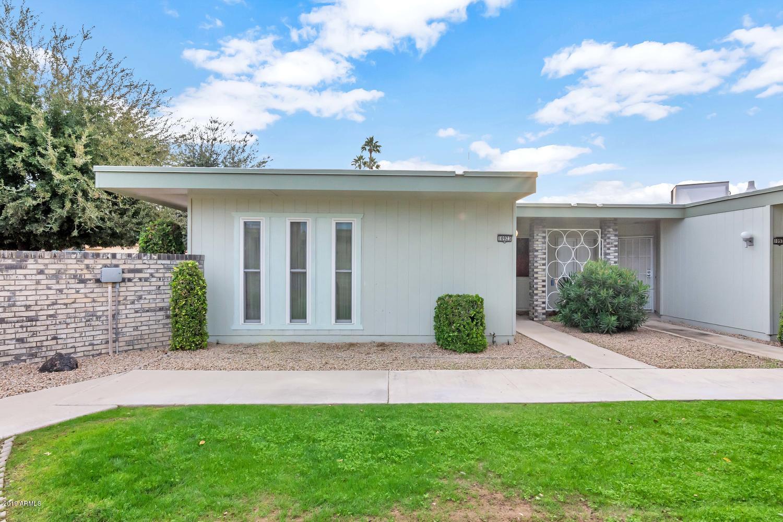 Photo of 10923 W Coggins Drive, Sun City, AZ 85351