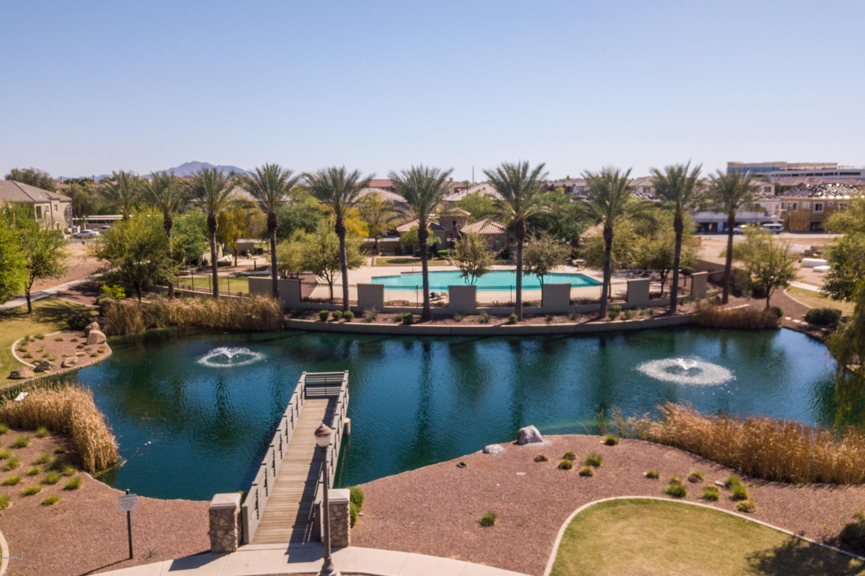 Photo of 2726 S EQUESTRIAN Drive #101, Gilbert, AZ 85295