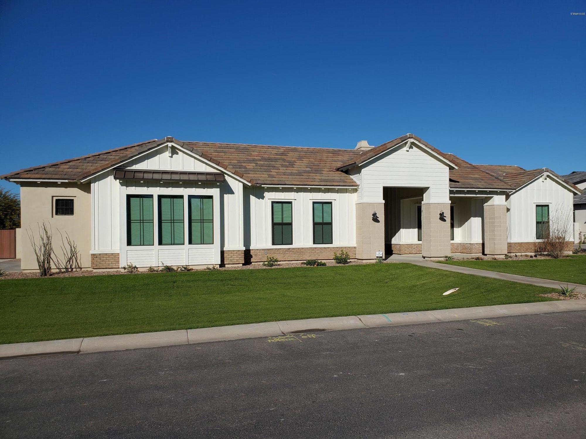 Photo of 2714 E KINGBIRD Drive, Gilbert, AZ 85297