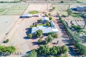 42087 N Roadrunner Road, San Tan Valley, AZ 85140