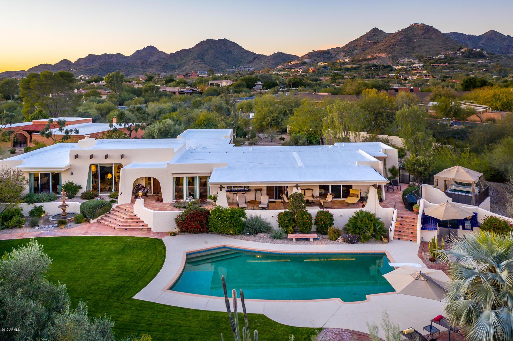 Photo of 4425 E Maderos Del Cuenta Drive, Paradise Valley, AZ 85253