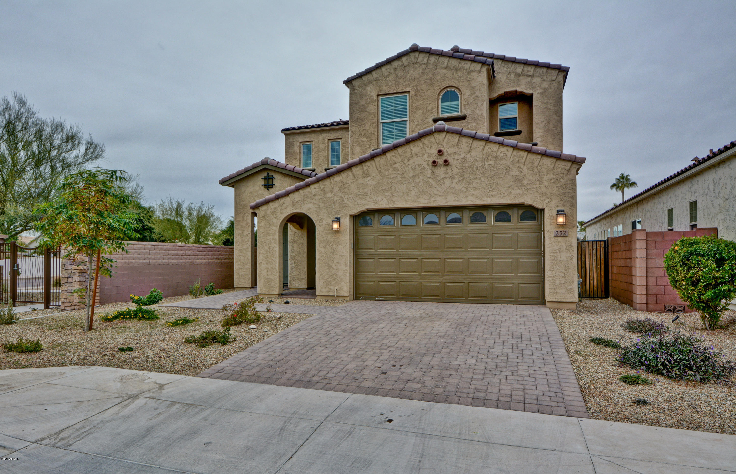 Photo of 252 W FELLARS Drive, Phoenix, AZ 85023