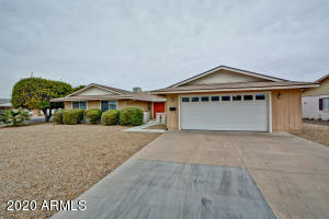 10318 W ANDOVER Avenue, Sun City, AZ 85351