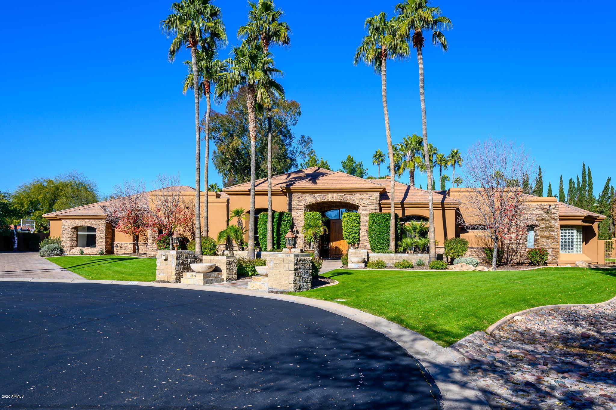 Photo of 11858 N 61ST Place, Scottsdale, AZ 85254