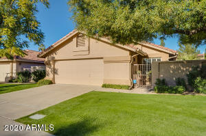 8864 E SUNNYSIDE Drive, Scottsdale, AZ 85260