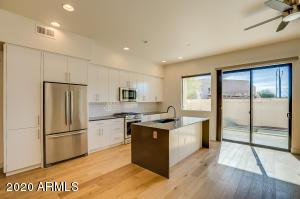 7300 E EARLL Drive, 1009, Scottsdale, AZ 85251