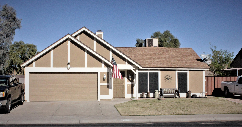 Photo of 650 E MANOR Drive, Chandler, AZ 85225