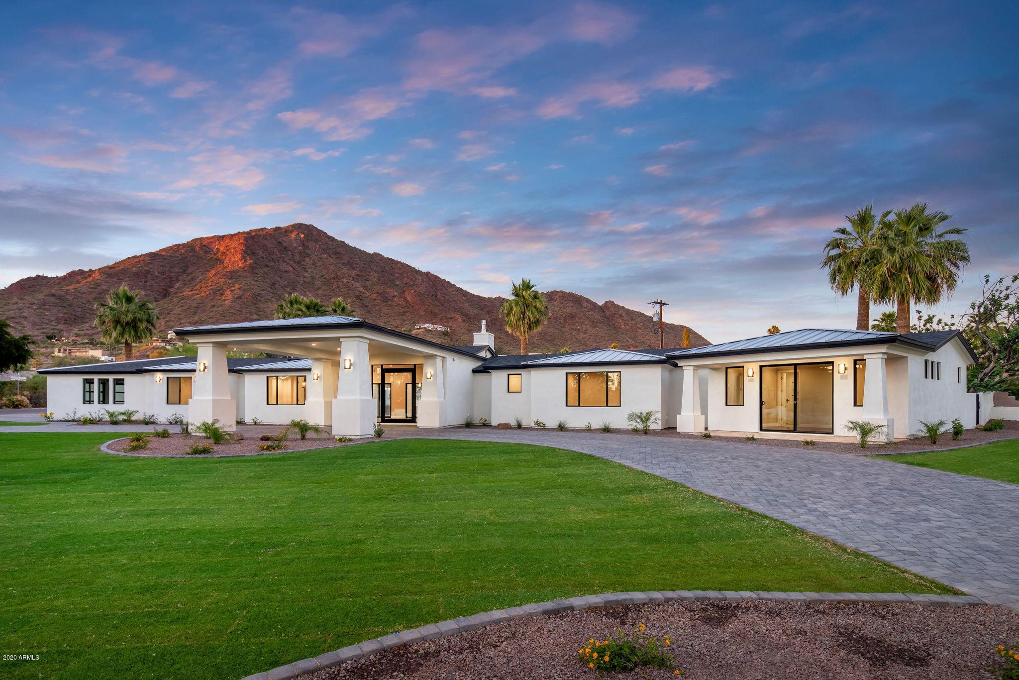 Photo of 4601 N ROYAL VIEW Drive, Phoenix, AZ 85018