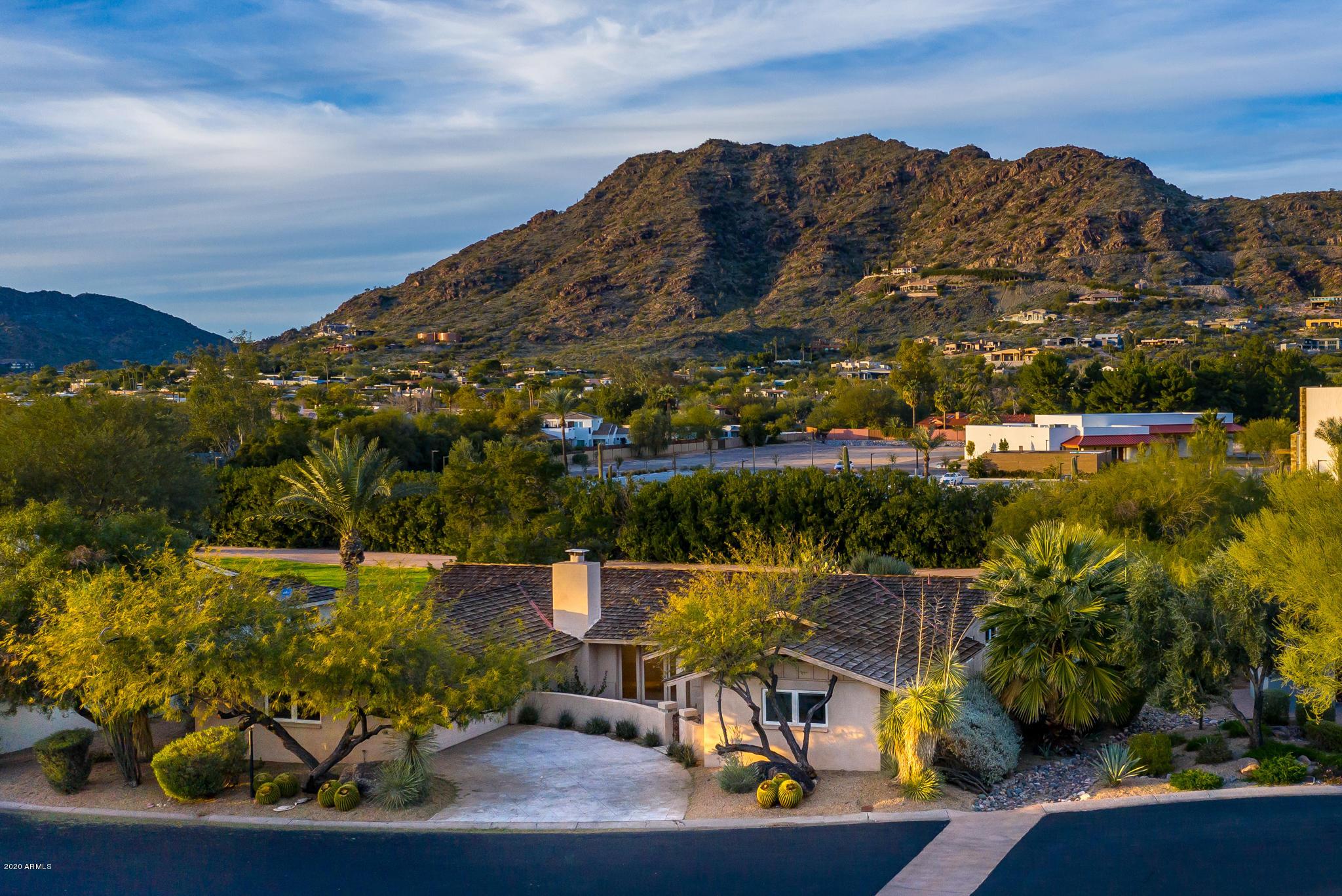 Photo of 5635 E LINCOLN Drive #8, Paradise Valley, AZ 85253