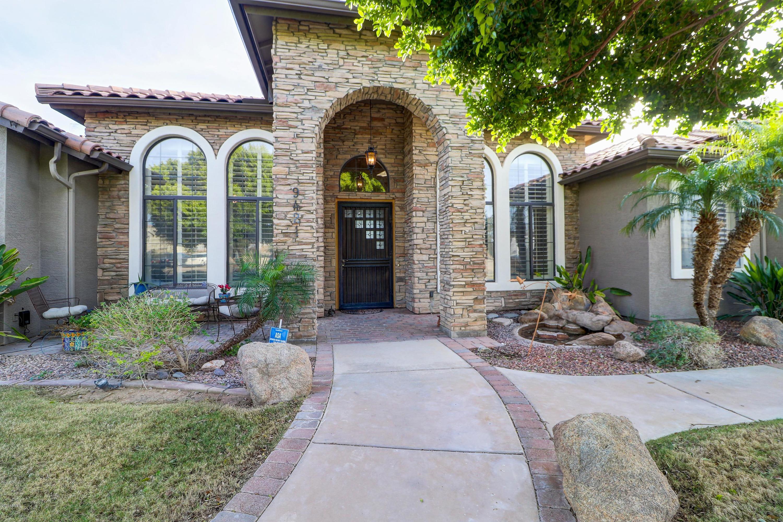 Photo of 9421 W SADDLEHORN Road, Peoria, AZ 85383