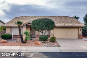 Lovely home in beautiful Ventana Lakes area.