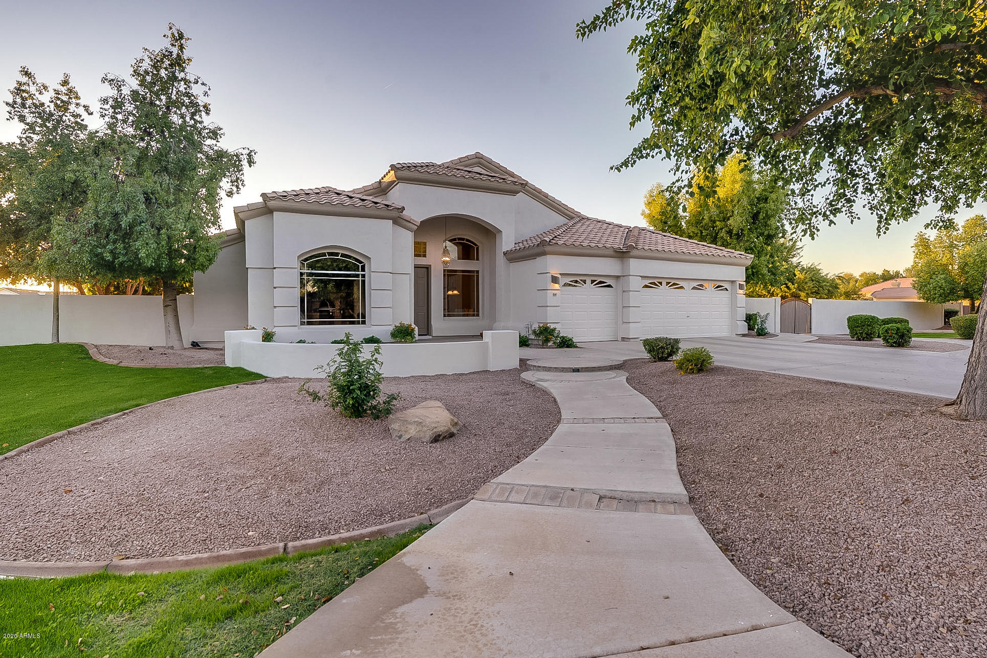 Photo of 64 S EQUESTRIAN Court, Gilbert, AZ 85296