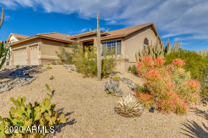 Beautiful Gold Canyon home with the best views!