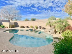 1184 W DESERT HOLLOW Drive, San Tan Valley, AZ 85143