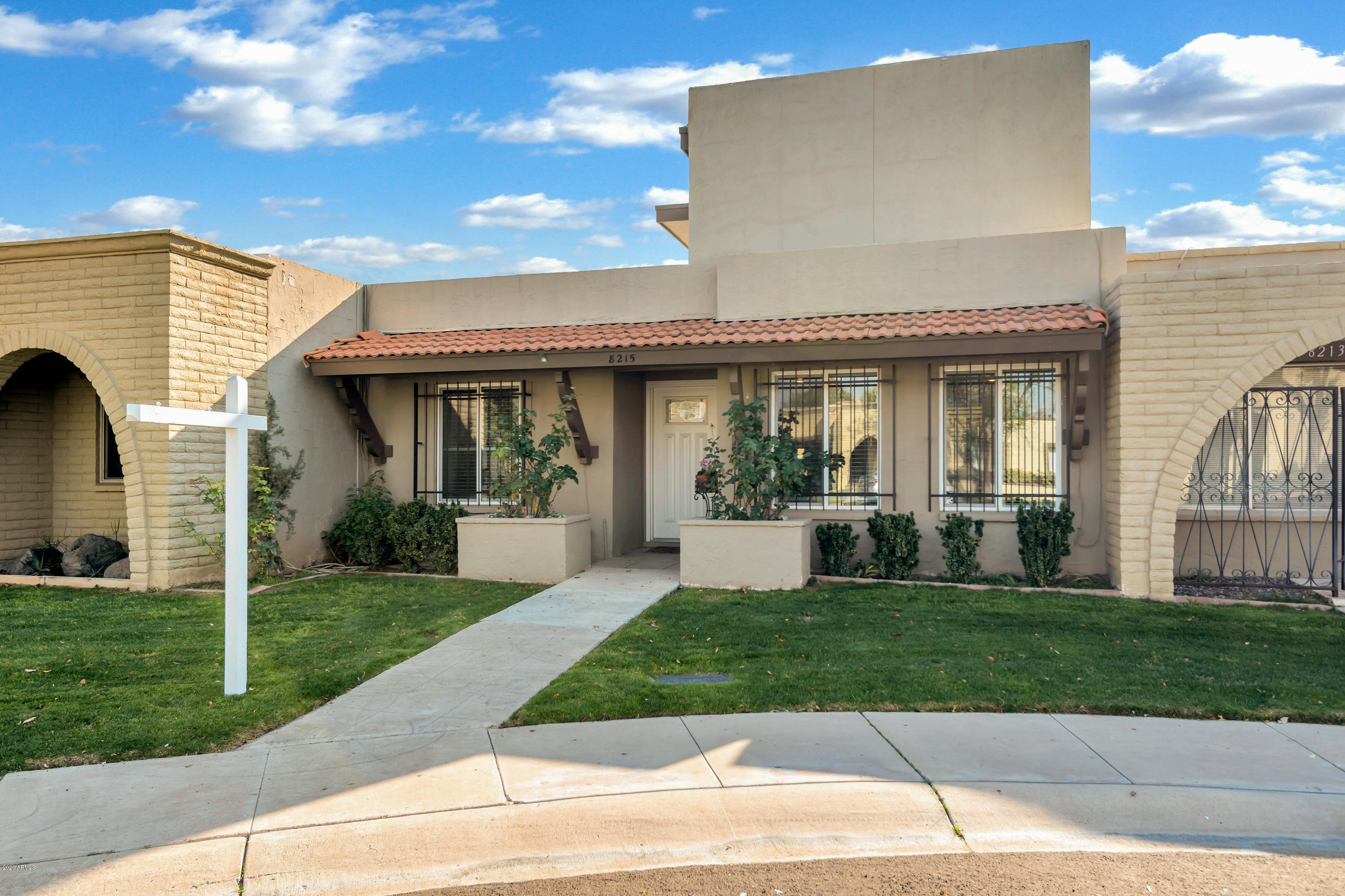 Photo of 8215 E KEIM Drive, Scottsdale, AZ 85250