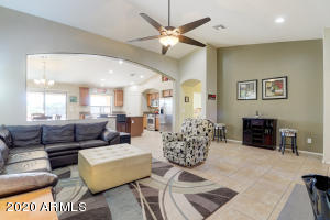 2725 E QUIET HOLLOW Lane, Phoenix, AZ 85024