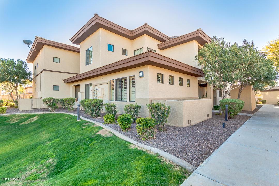 Photo of 3330 S GILBERT Road #1040, Chandler, AZ 85286