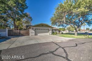 8031 W MONTEBELLO Avenue, Glendale, AZ 85303