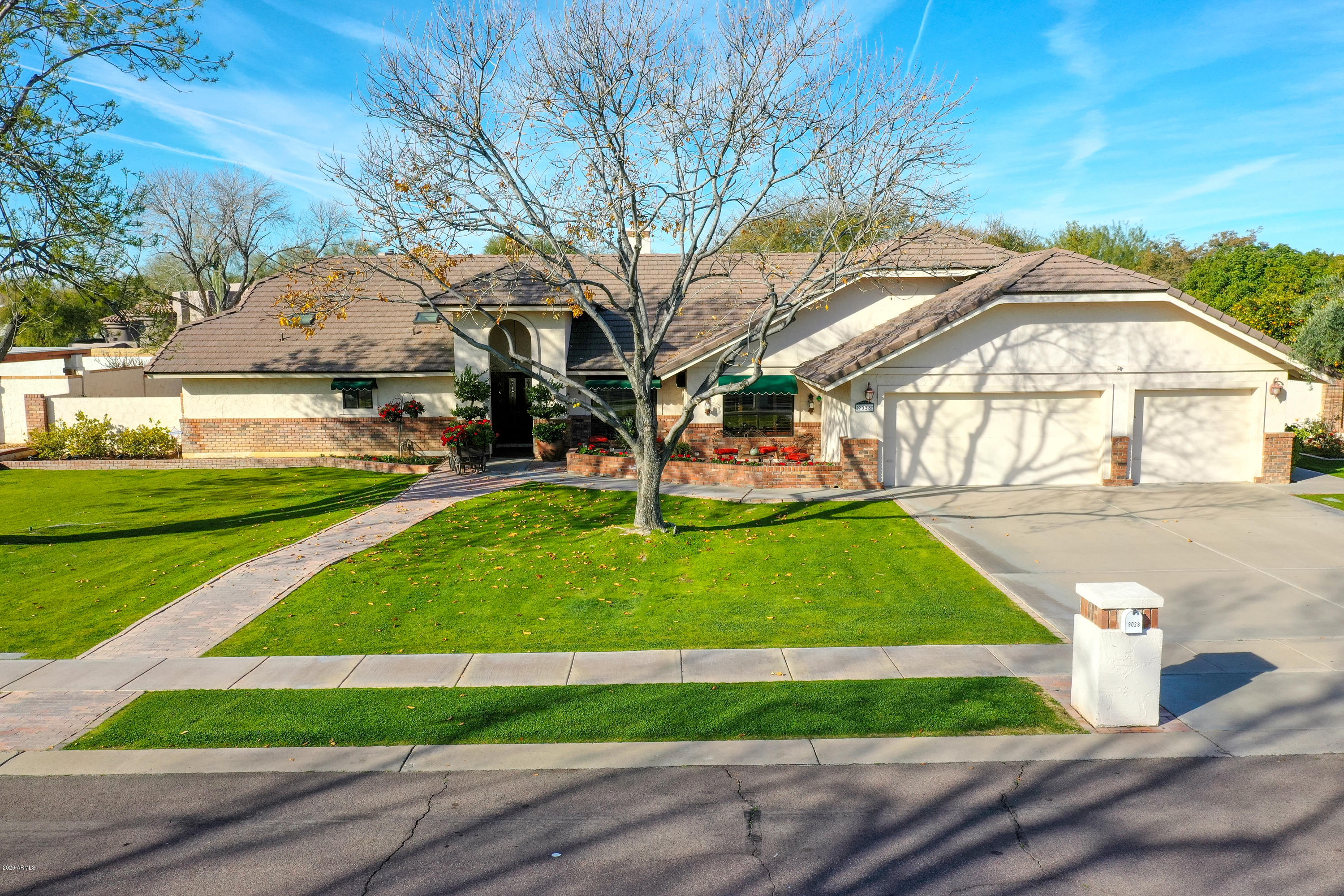 Photo of 9028 S LAKESHORE Drive, Tempe, AZ 85284