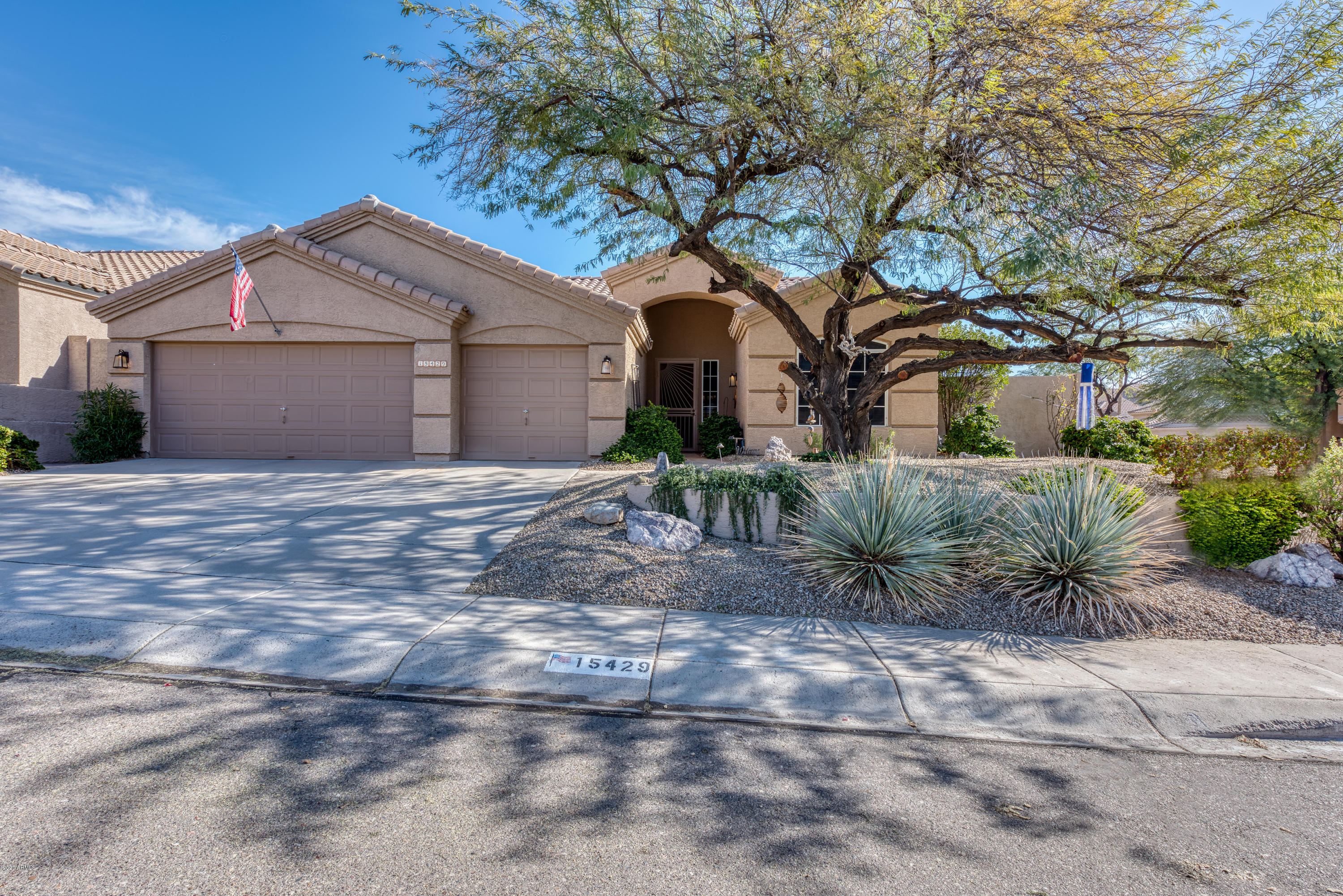 Photo of 15429 S 16th Drive, Phoenix, AZ 85045