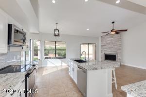 6964 W KRISTAL Way, Glendale, AZ 85308