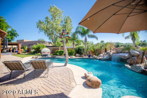 6831 E PARADISE Drive, Scottsdale, AZ 85259