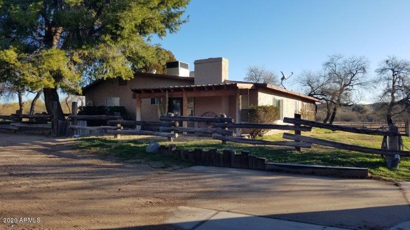 Photo of 409 S TEGNER Street, Wickenburg, AZ 85390