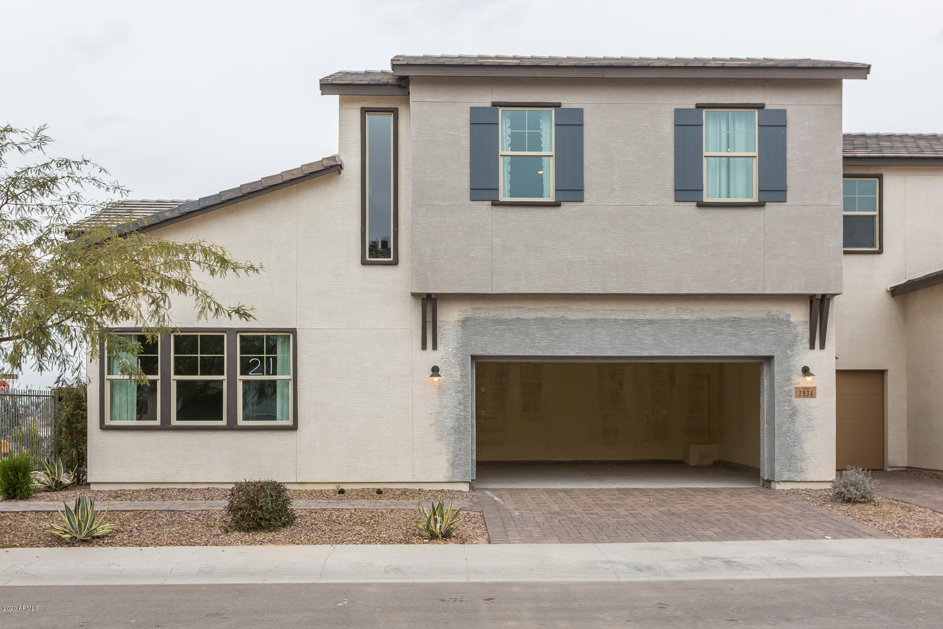 Photo of 1934 E WISTERIA Drive, Chandler, AZ 85286
