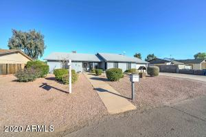 926 E MESQUITE Avenue, Apache Junction, AZ 85119