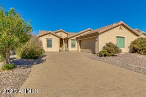 906 W DESERT HOLLOW Drive, San Tan Valley, AZ 85143