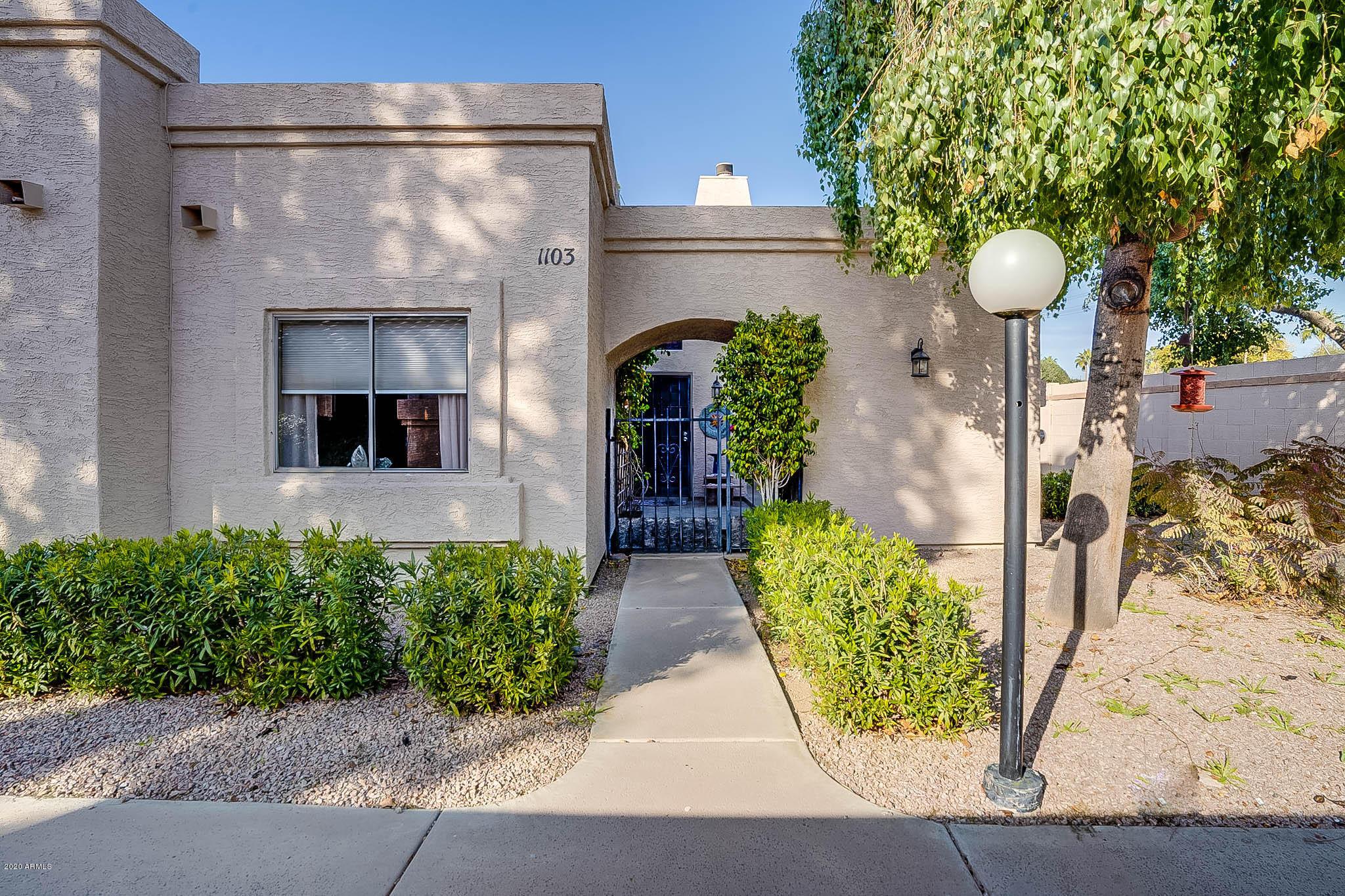 Photo of 2019 W LEMON TREE Place #1103, Chandler, AZ 85224