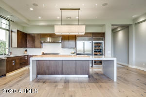 2 BILTMORE Estate, 207, Phoenix, AZ 85016