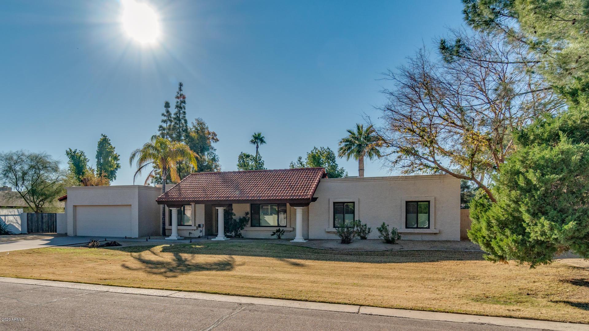 Photo of 15 W VINEDO Lane, Tempe, AZ 85284