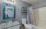 Upstairs guest bath